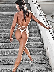 Extraordinary muscular wome.