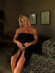 Gina pumps up her clitoris and then goes for a nice long naughty Sybian ride.